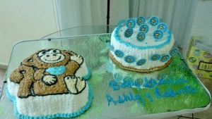 The cakes with a few Monkey tags I made.