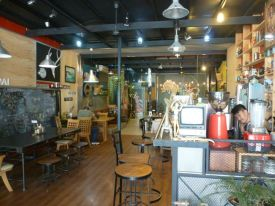 Cool Chiang Ria eatery.