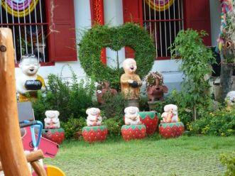 Garden at Wat Chedi Luang, Chiang Mai
