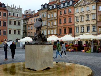 Warsaw Old Town mermaid