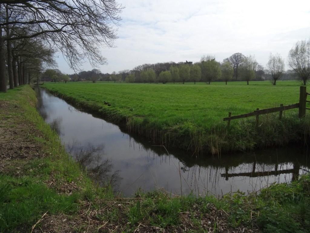 Over het platteland - Klompenpad Stoetwegenpad