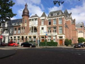 Cornelis de Wittlaan huizen met torentje