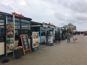restaurantjes op de boulevard in Kijkduin