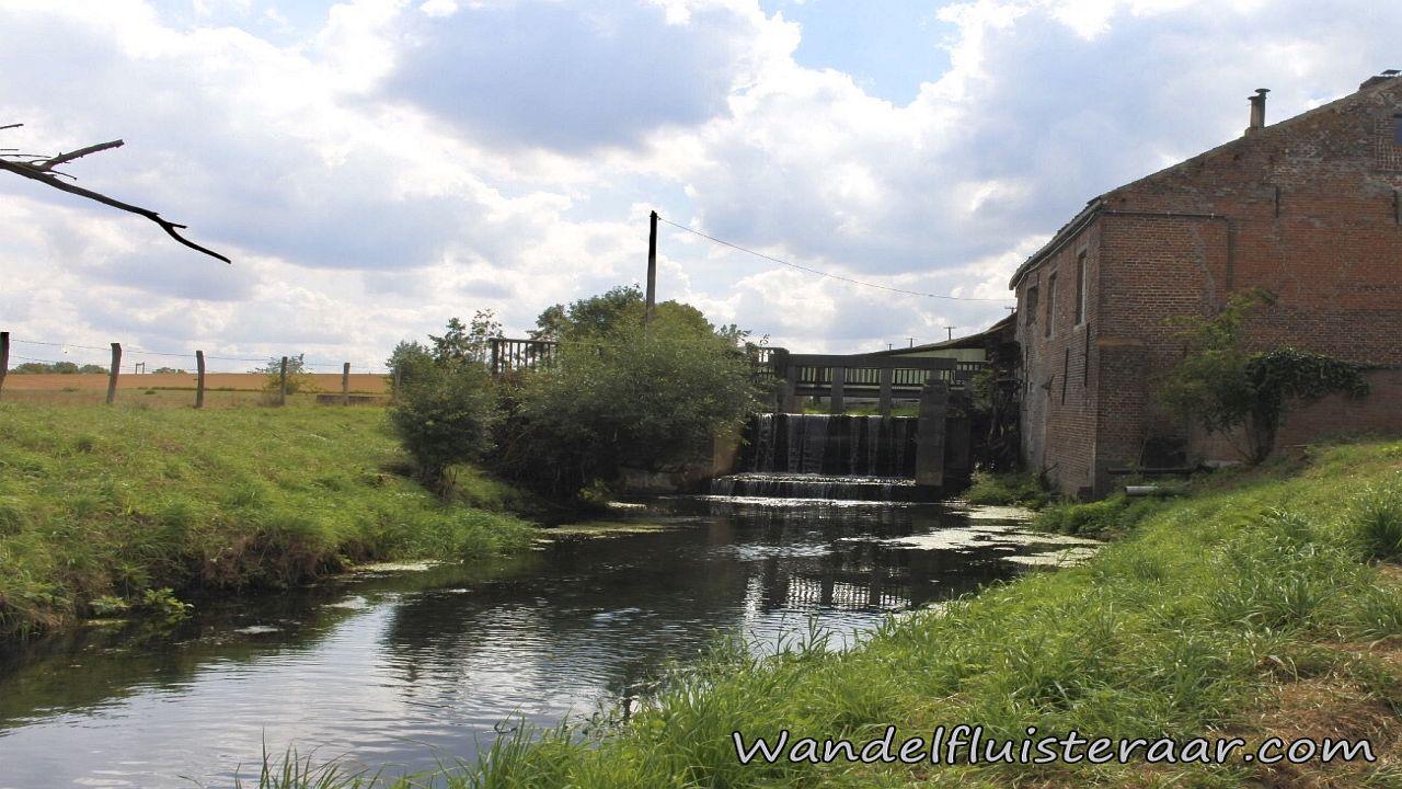 Een oude molen in Sint-Pieters-Kapelle
