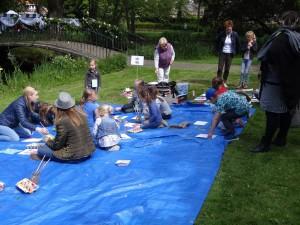 Kinderen aan het schilderen