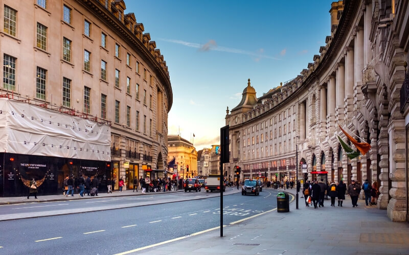 This 2 days in London itinerary for first-time visitors covers many of the highlights and more than a few iconic London experiences.