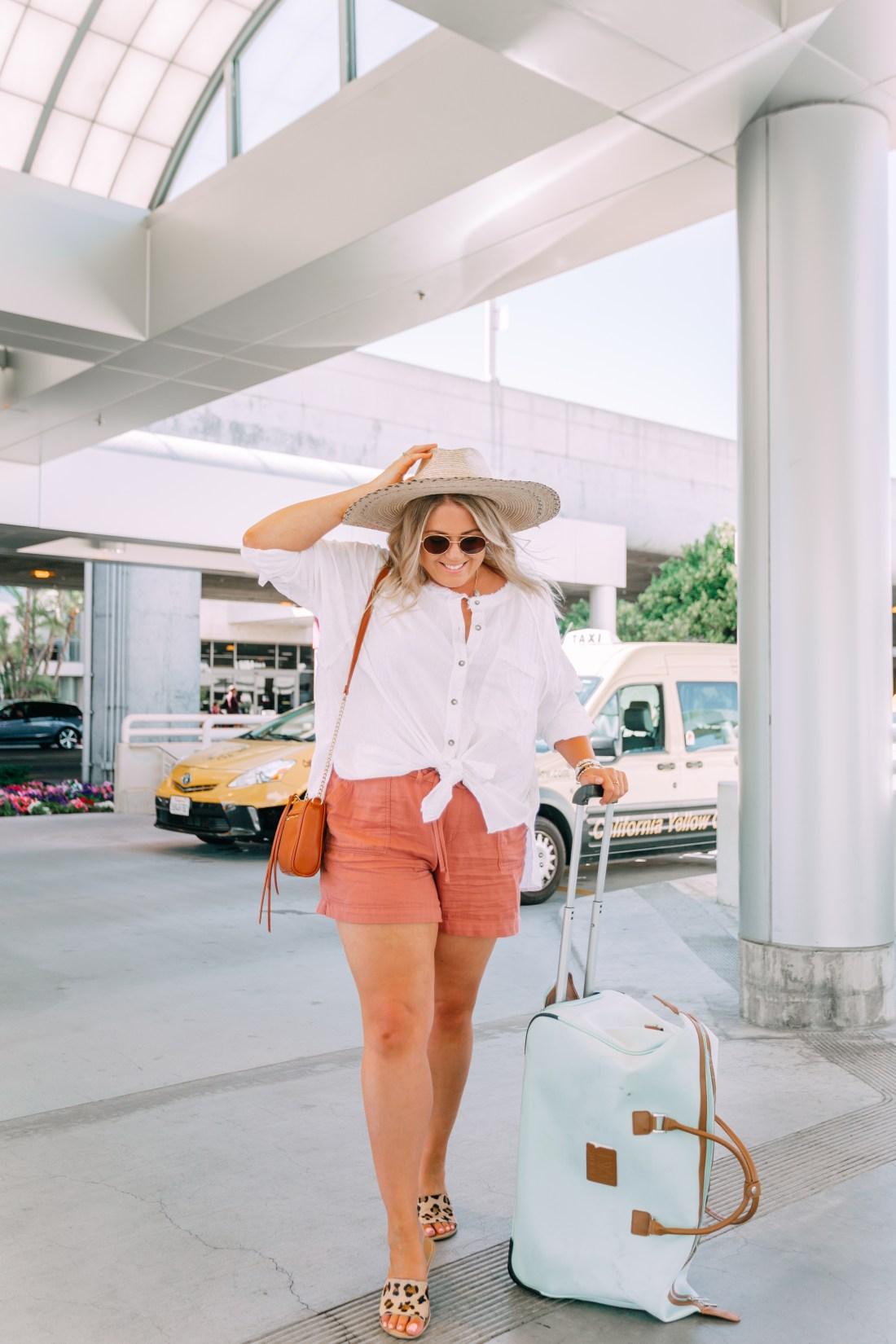 airport outfit for summer vacation