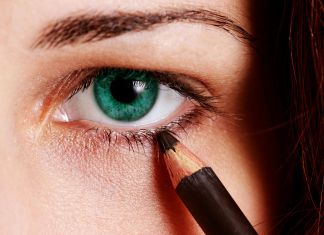 5 Step Eyeliner Technique for Women Over 40