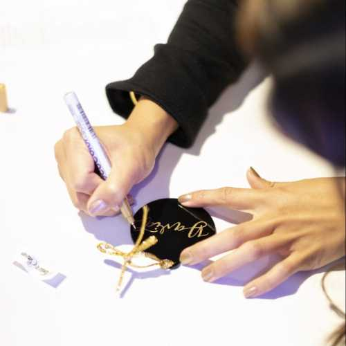 Los Angeles engraver, live calligrapher