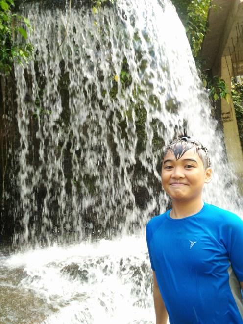 He ♥ water