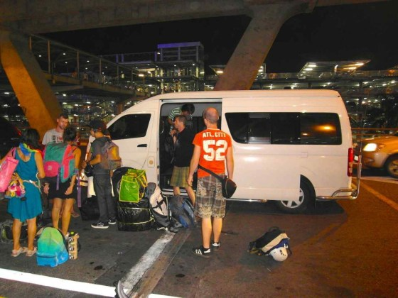Unser Transporter zum internationalen Airport Bangkok