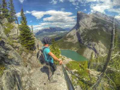 """Blick vom """"East End of Rundle"""" Track nach Canmore"""