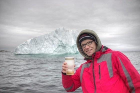 15000 Jahre altes Eis im Getränk. Cheers