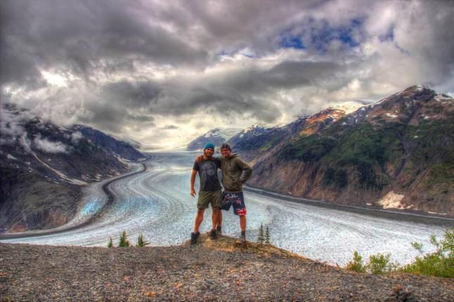 Auf dem Salmon Glacier in Alaska legen wir wieder eine Pause ein