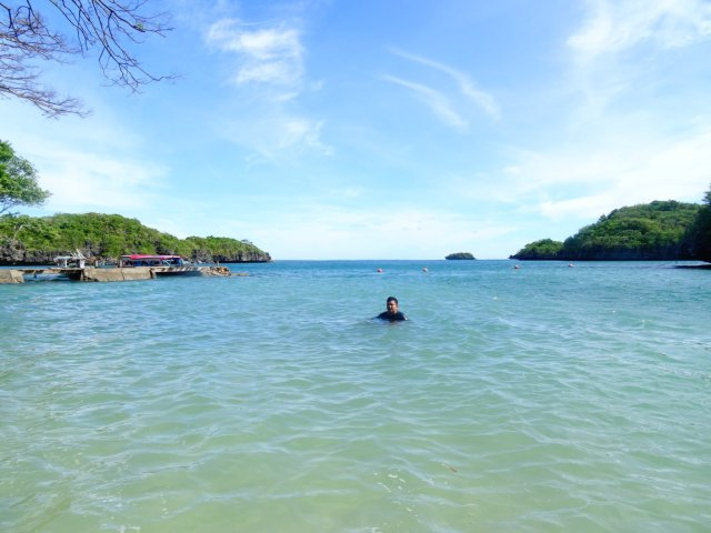 Camping in the Hundred Islands