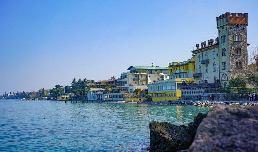 Pretty Lake Garda Towns - Desenzano del Garda
