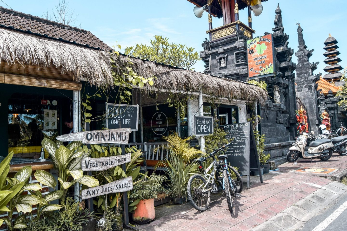 Wanderers & Warriors - Oma Jamu Vegan Cafe - The Best Warungs In Canggu - Where To Eat Local