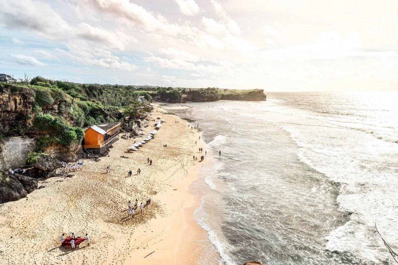 Wanderers & Warriors - Charlie & Lauren UK Travel Couple - Balangan Beach Bali - An Incredible Sunset Viewpoint - Balangan Bali - Pantai Balangan - Balangan Beach - Sunset In Bali
