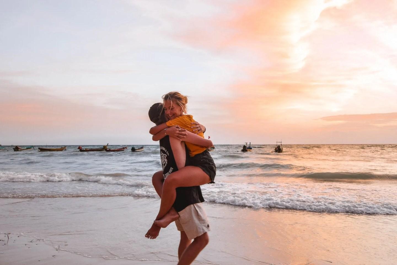 Wanderers & Warriors - Charlie & Lauren UK Travel Couple - Sairee Beach Koh Tao Sairee Beach - Sunset Koh Tao Sunset - things to do on koh tao