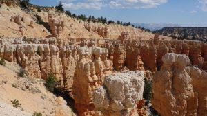 "<img src=""rimtrailbryce.jpg"" alt= ""Rim trail Sunset Point Bryce Canyon, wandererwrites.com""/>"