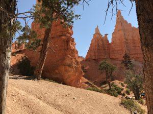 """<img src=""""queensgarden.jpg"""" alt=""""Queen Victoria and her garden, bottom of Bryce Canyon, wandererwrites.com""""/>"""