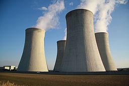 image: Jiří Sedláček, https://commons.wikimedia.org/wiki/File:Cooling_towers_of_Dukovany_Nuclear_Power_Plant_in_Dukovany,_T%C5%99eb%C3%AD%C4%8D_District.JPG