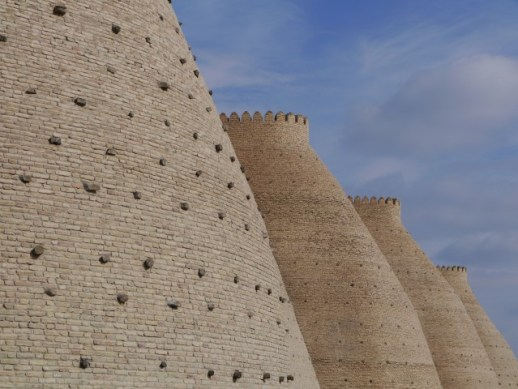 The bulging walls of the Ark made me think of power station cooling towers!