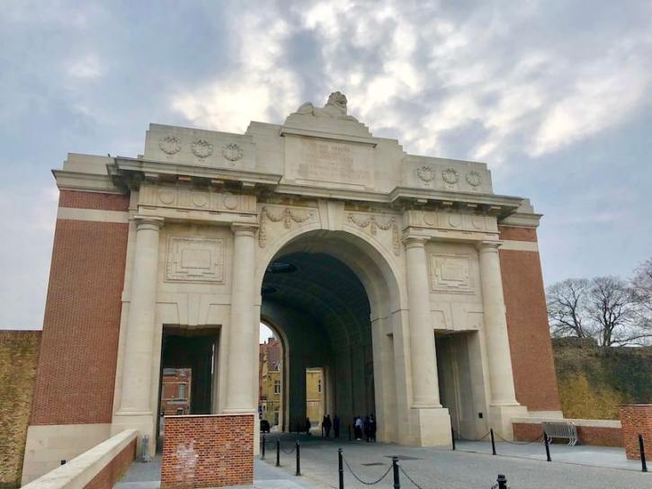 The Last Post at the Menin Gate ceremon is SPECTACULAR! Seriously- you need to see this. The Last Post at the Menin gate happens every single night at 8pm sharp. Here's all you need to know! #lastpost #meningate #belgium #review #tips #advice #roadtrip #campsite #wanderingbird