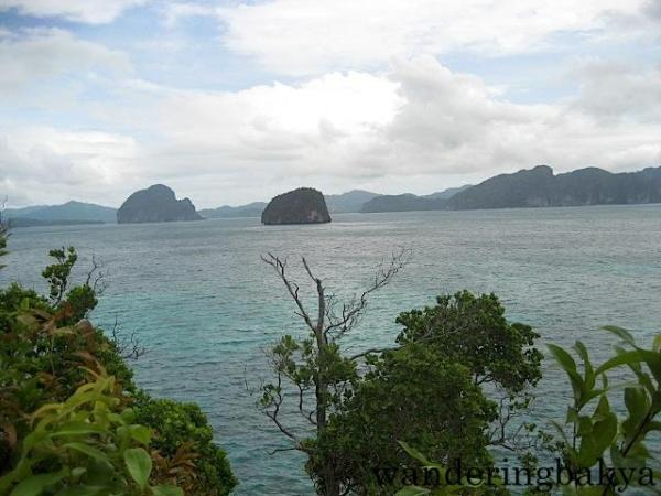 Some of 45 islands and islets of El Nido
