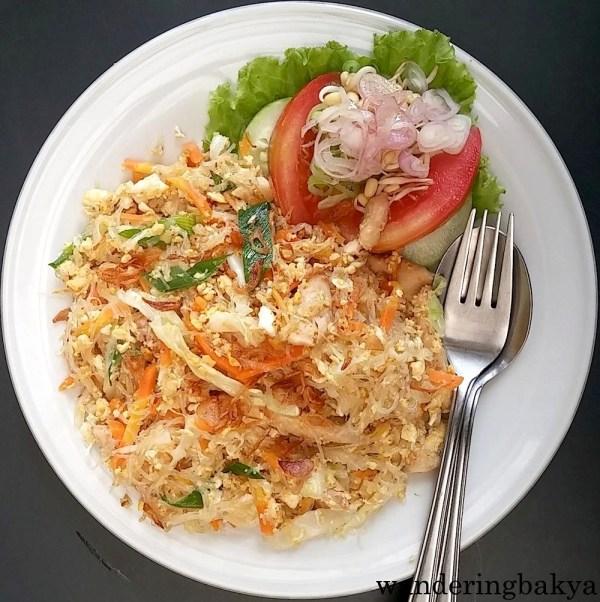 Orak Arik Bihun, IDR 28,000 (US $2.18) at Restoran Kedia Kebun.