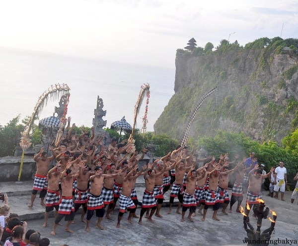 The choir of men who performed kecak.