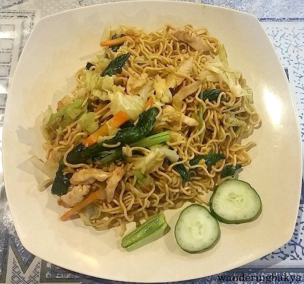 Mie Goreng Ayam (fried noodle served with chicken and vegetable), IDR 15,000 (US $1.16) at Fajar Resto
