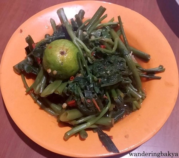Disajikan Bersama Plecing Kangkung (kale). It was a little bit spicy, and the kale was crisp and had tons of of flavor.