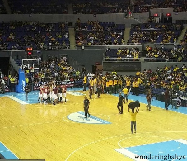 Teams huddled before the opening jump ball.