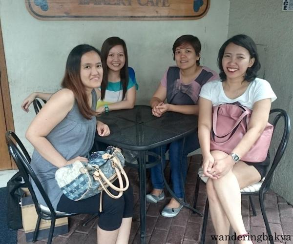 At Mom and Tina's Bakery Cafe Makati with Las Brujas.