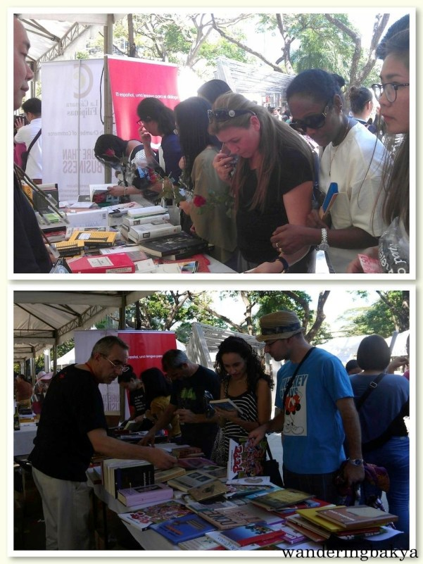 Nelson and Manolo had books and roses at hand for those who visited Instituto Cervantes Manila's tent. Bottom photo by SPRDC.