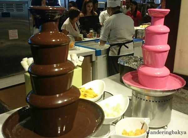 Chocolate and strawberry fountains at the fondue section. Photo by SPRDC