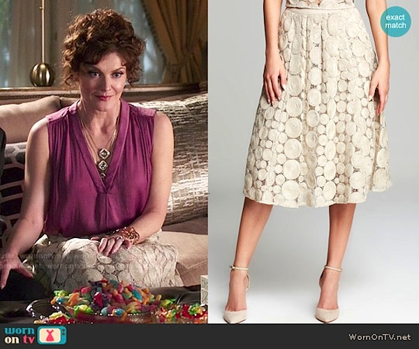 Evelyn Powell's skirts that I covet: an intricate lace designed skirt. Photo from wornontv.net