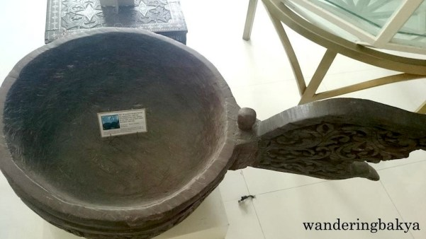 Big Wooden Basin with Elaborate Carved Etchings on the Sides and on the Attached side handle decor – Bilaan, Southern Philippines. Photo by SPRDC