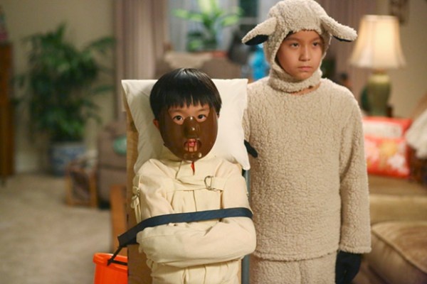 Fresh Off the Boat's Emery Huang (Forrest Wheeler) and Evan Huang (Ian Chen). Photo from collider.com