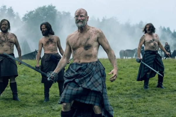 My favorite Highlanders, Outlander's Dougal MacKenzie (Graham McTavish) and Angus Mohr (Stephen Walters). Angus needs to fatten up. ☺ Photo from ign.com