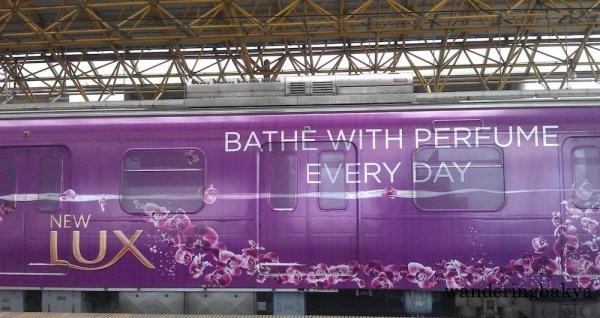 """Lux's """"Bathe with Perfume Everyday"""" was just so apt for the ungodly summer heat that lorded over most of its run."""