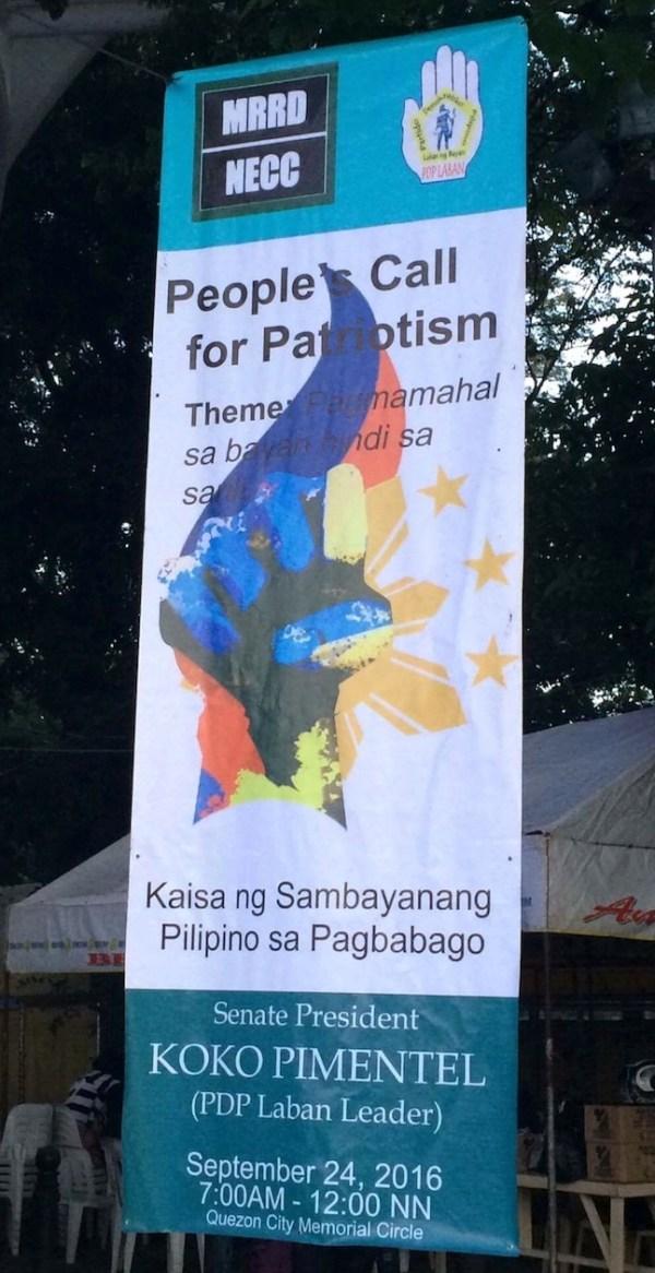 People's Call for Patriotism: Pagmamahal sa Bayan Hindi sa Sarili. A tarpaulin from Senate President Koko Pimentel. Photo by Miley Tray.