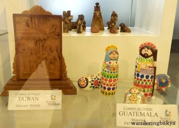 Belen from Taiwan, Guatemala and United States of America. Material: Wood and Paper, Fabric and Wood, respectively.