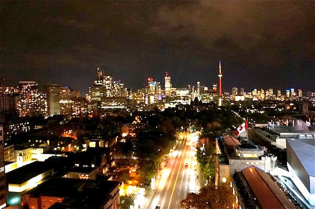 Top 10 places to hang out in Toronto Skyline