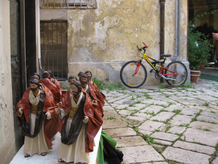 Photo tour of Puglia, saints in Lecce
