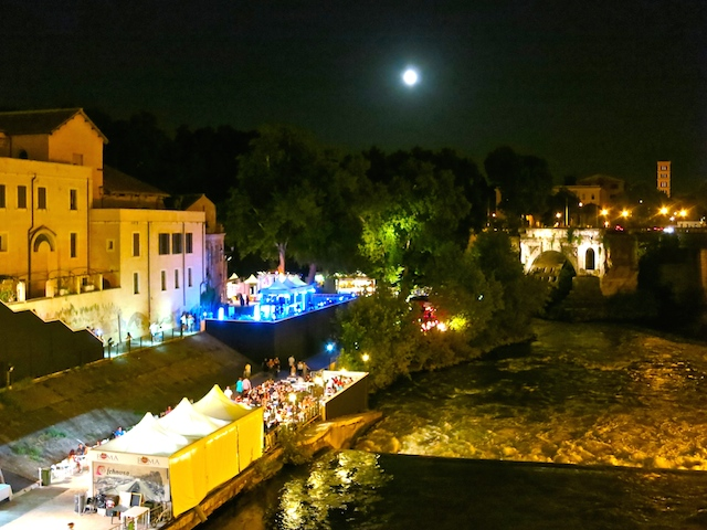 Rome at night, avoid a hotel disaster in Italy
