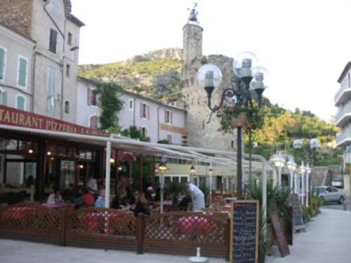 Budget tips for renting a villa in France near the town of Anduze