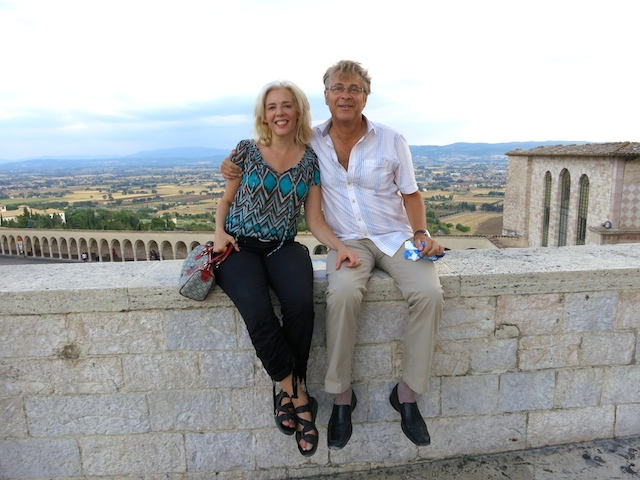 Wandering Carol, luxury travel blogger visiting Assisi, Italy