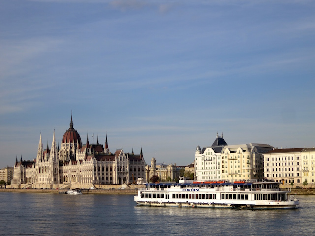 Things to do in Budapest, River Cruise